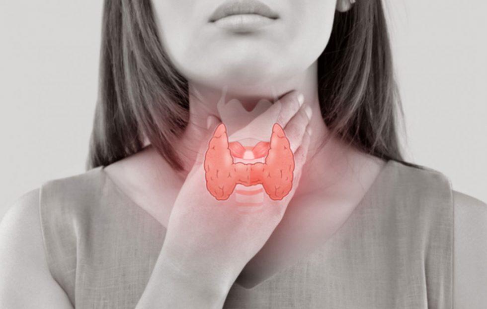 كم تكلفة الأشعة التداخلية لعلاج الغدة الدرقية بدون ألم ؟ وما هي أسباب أورام الغدة الدرقية ؟