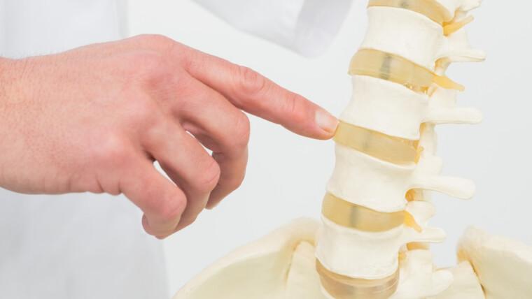 أهم 5 طرق في علاج أورام العمود الفقري | شفاء
